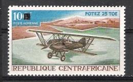 RP Centrafricaine : N° Yvert PA 62 * * - Avion  (   Potez 25 TOE  ) Timbre Surchargé Tarif Modifié . - Avions