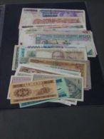 Belle Collection De 10 Billets De Banque Du Monde Tous Différents. - Billets