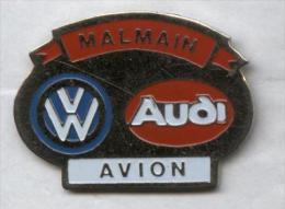 Pin´s Voiture Audi Volkswagen Avion Malmain - Volkswagen