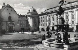 Innsbruck - Leopoldsbrunnen Mit Hofburg Und Hofkirche 1957 - Innsbruck