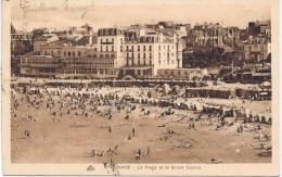 Cpa  DINARD La Plage Et Le Grand Casino - Dinard
