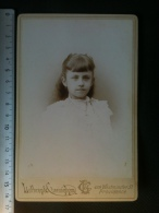 Photo De Cabinet Cdv - Jeune Fille Catholique, Lothrop & Cunningham Providence Rhodes Island U.S.A. - Ancianas (antes De 1900)