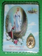 N.S.di LOURDES, Bernadette Soubirous - Preghiera A S.Chaterine Labouré  - Medaglietta/santino Plastificato - In Francese - Devotion Images