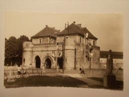 Carte Postale - DOUAI (59) - Porte De Valenciennes (824/1000) - Douai