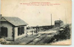 DEP 50 BRETTEVILLE LA GARE TRAIN  PASSAGE A NIVEAU - France