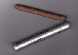Cigare Dans Son étui  H. Upmann Havana  BE - Cigar Cases
