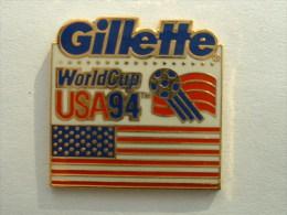 PIN'S FOOTBALL - COUPE DU MONDE USA 94 - GILLETTE - Football