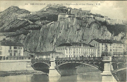 Grenoble Le Pont De L Esplanade Et Les Forts - Grenoble