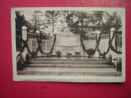 CPSM  CRUSEILLES  MONUMENT COMMEMORATIF AUX MORTS POUR LA FRANCE      VOYAGEE  TIMBRE INTERESSANT - Autres Communes