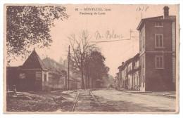 RARE Ain 01 - MONTLUEL Le Faubourg De Lyon Quartier De La Ville Avec Animation Devant Maison Rail Tramway - Montluel