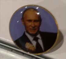 Vladimir Vladimirovitch Poutine, Vendu Au Pavillon Russe Expo Milano 2015,magnifique Pin Collector. Un Seul Disponible - Personnes Célèbres