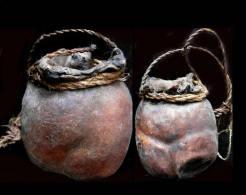 Ancienne  Outre à Médecine De Chamane Naga  / Old Shaman's Medecine Container NAGA INDIA - Art Asiatique