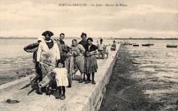 PORT-des-BARQUES --La Jetée -Retour De Pêche - Altri Comuni