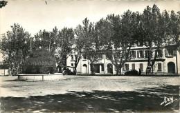 CUERS -  Place De La Convention  (voir Scan Recto Verso) - Cuers