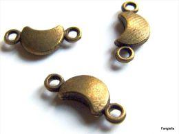 10 Breloques Lune Intercalaire Métal Bronze Antique Environ 15x6mm   D'adorables Petites Lunes Vendues à L'unité - Perles