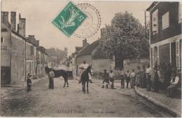 CPA 89 LEUGNY Route De Ouanne Commerce Hôtel Chevaux Animation 1910 - Francia
