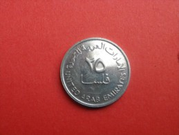 EMIRATS   25 FILS 1995  -1415 AH-   KM 4 CUP. NICKEL TTB - Emirats Arabes Unis