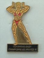 Pin´s FEMME - VERONIQUE GADY - CHAMPIONNE DE FRANCE 91 - - Pin-ups