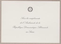 """Carte En Papier Avec La Mention """"Avec Les Compliments De L'Ambassade De La République Démocratique Allemande En Suisse"""" - Allemagne"""