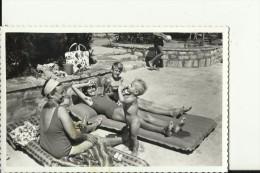 SCENE DE PLAGE, BEACH   --  FEMME, ENFANTS, GARCON, BOY, NAKED - Persone Anonimi