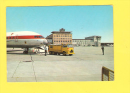 Postcard - Stuttgart Airport     (V 26547) - Aerodrome