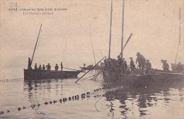 L'Industrie Sardinière Bretonne -- Les Bateaux Pêchant - Bretagne