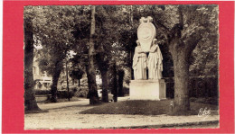 CAMBO LES BAINS 1954 MONUMENT A LA MEMOIRE D EDMOND ROSTAND CARTE EN BON ETAT - Cambo-les-Bains
