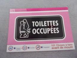 Carte Publicitaire Relations Humaines, Toilettes Occupées, Avion, 101 Choses à Faire Avant De Mourir - Cartes Postales