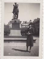 Photo Originale Femme Le 01.09.1938 - Cours Cambronne - Statue Du Général - 44000 Nantes - - Personnes Identifiées