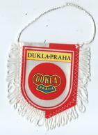 Fanion Football L'équipe De Dukla Praha - Apparel, Souvenirs & Other
