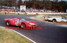 Reproduction D'une Photographie D'une Ferrari 330 P3 Aux 24H Du Mans De 1967 - Reproductions