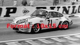 Reproduction D'une Photographie D'une Porsche Numéro 71 Aux 24 Heures Du Mans De 1976 - Reproductions
