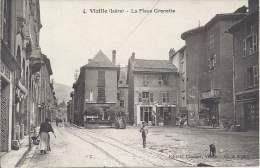 38 - VIZILLE - Isère - La Place Grenette - Vizille