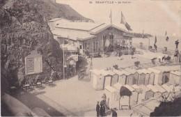 GRANVILLE - Le Casino - Cabines - Animé - Très Joli Plan - Dos Non Divisé - TBE - Granville