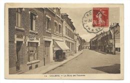 CPA LILLERS  Rue De Pernes  Café  De La Gare  Edit J Poriche - Lillers