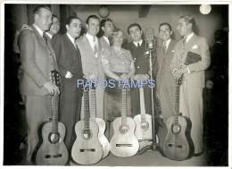 22287 ARGENTINA ARTISTA AZUCENA MAIZINI SINGER TANGO ALBERTO VILA & O ALONSO RADIO PRIETO 18 X 13 CM PHOTO NO POSTCARD - Affiches