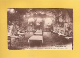 * CPA..dépt 77..MONTIGNY Sur LOING :  Hôtel De La Forêt - La Terrasse  : Voir Les 2 Scans - Autres Communes