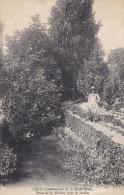 14 CPA Caen Communauté De La Miséricorde - Bords De La Rivière, Dans Le Jardin - Caen