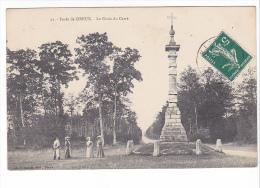 25219 DREUX France  Foret De Dreux Croix Du Carré -Foucault 91 - Femme - Monuments