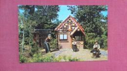 Dwarf Village  Hansel & Gretal  Busch Gardens - Florida> Tampa      ref  2072