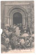 CP BAUX Festo Provençalo Di Baus Sourtido Dela Gieso (13 Bouches Du Rhône) Animé Eglise Femmes Hommes Costumes Chevaux - Otros Municipios