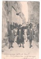 CP LES BAUX Festo Prouvençalo Di Baus Lis Abat Dela Jouvènço (13 Bouches Du Rhône) Animé  Femmes Hommes Costumes Chevaux - Otros Municipios