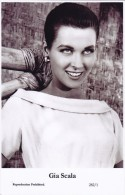 GIA SCALA - Film Star Pin Up - Publisher Swiftsure Postcards 2000 - Postales