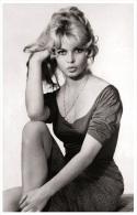 Sexy BRIGITTE BARDOT Actress PIN UP Postcard - Publisher RWP 2003 (91) - Artiesten