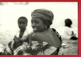 HAU-21 Femme D'une Coopérative Transformation Du Poisson. BBL. Fimarc Wépion 1994, Non Circulé - Senegal
