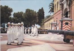 MONACO---le Palais Du Prince : La Relève De La Garde---voir 2 Scans - Palais Princier