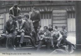 M36 / FORMAT CPSM TOP REPRO GROUPE DE JEUNES SUR UNE VOITURE A PARIS EN 1960 / MAI 1968 - Manifestazioni