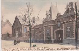 Cpa 1905 Charleroi. La Caserne Des Chasseurs à Pieds. Animée Et Colorisée. Edit. O.V.S. Bruxelles (dos Simple) - Charleroi