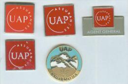 Lot De 5 Pin´s Assurance UAP - 012 - Badges