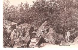 Saint Junien (Haute-Vienne)-+/-1910-La Glane Pittoresque-Aux Gros Rochers-Personnage -Canotier